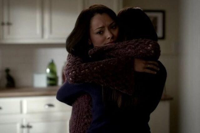 File:Elena and Bonnie 3x17.jpg