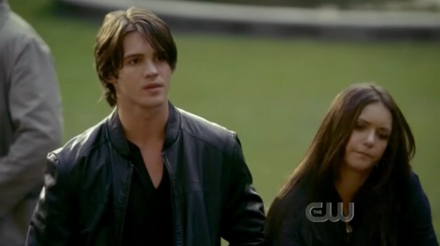 File:Elena and jeremy the return 1.png