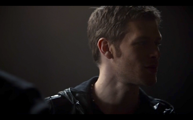 File:1x11-Klaus and Hayley bond.png