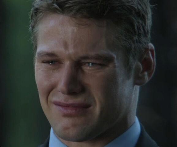 File:Matt-crying-at-funeral.jpg