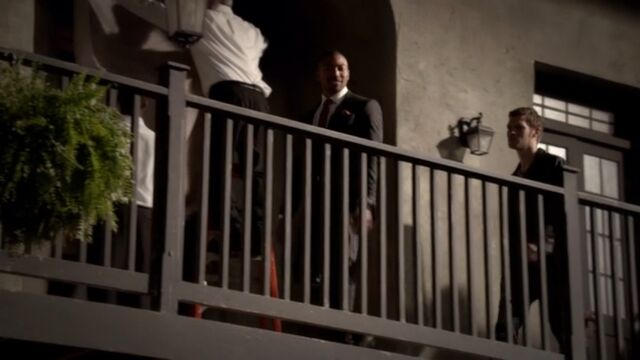 File:Klaus and Marcel TO 1x03.jpg