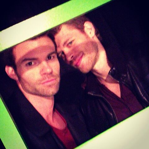 File:The Originals-BTS-Pilot-and-Promotion (1).jpg