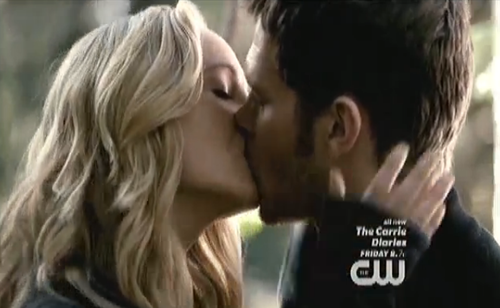 File:Klaroline kiss.png