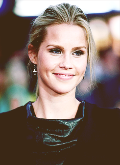 File:Claireholt193.png