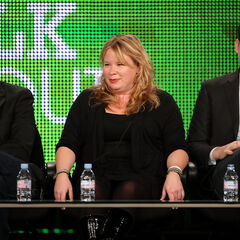 Kevin Williamson, Julie Plec, Bob Levy