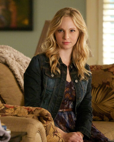 File:The-Vampire-Diaries-Episode-4-14-Down-the-Rabbit-Hole-Promotional-Photos-klaus-and-caroline-33465679-640-800.jpg