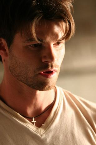 File:Daniel Gillies.jpg