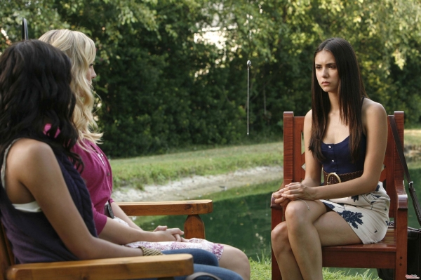 File:Bonnie-Caroline-and-Elena-005.jpg