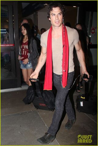 File:Ian-somerhalder-makes-his-way-to-comic-con-after-weekend-with-nikki-reed-04.jpg