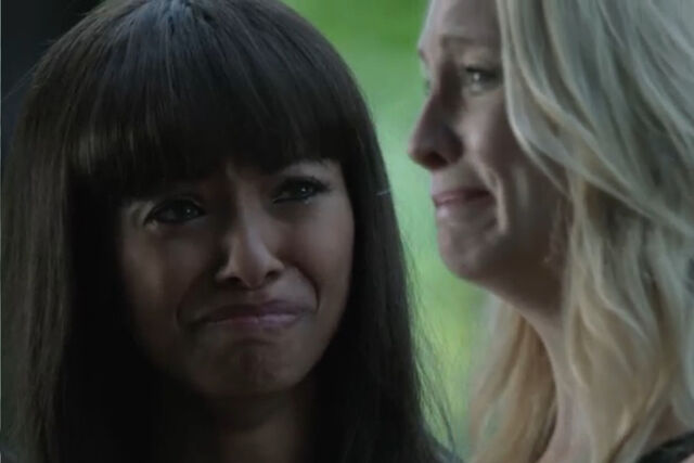 File:Bonnie-caroline-crying.jpg