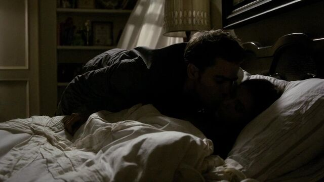 File:The Vampire Diaries S02E02 2867.jpg