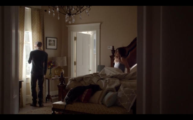 File:1x02-Klaus in Hayley's room 2.png