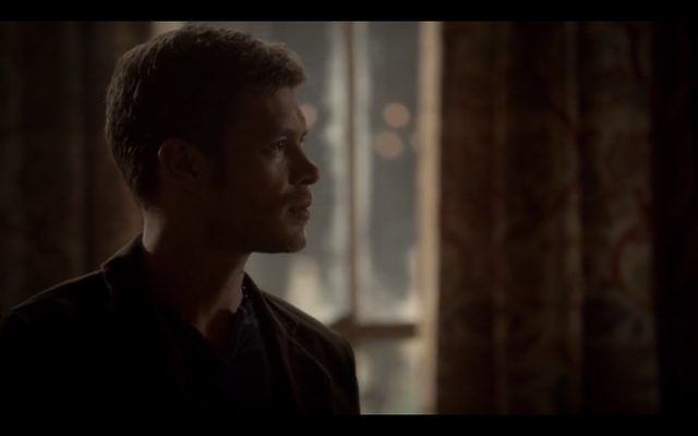 File:1x09-Hayley confronts Klaus 8.png