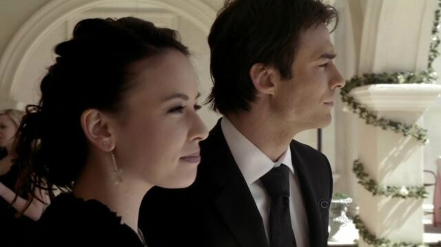 File:Vampire Diaries Anna and Damon..jpg