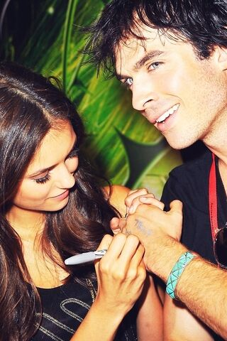 File:Blue-eyes-brunette-cute-ian-somerhalder-love-nina-dobrev-Favim.com-59215.jpg