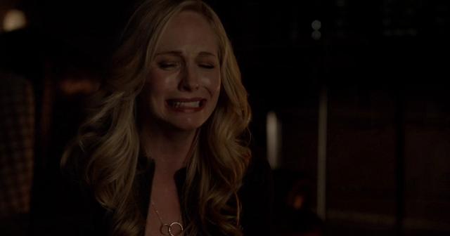 File:Caroline crying 5x22.png