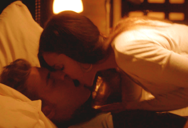 File:4x03-stefan-and-elena-32612984-700-477.png