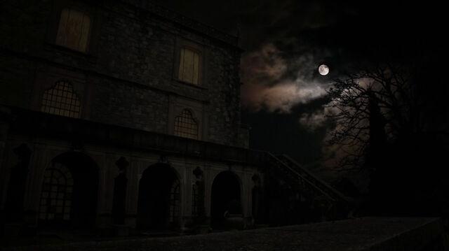 File:714-Full-Moon.jpg