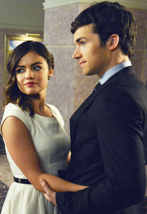File:130220pretty-little-liars1 210x305.jpg