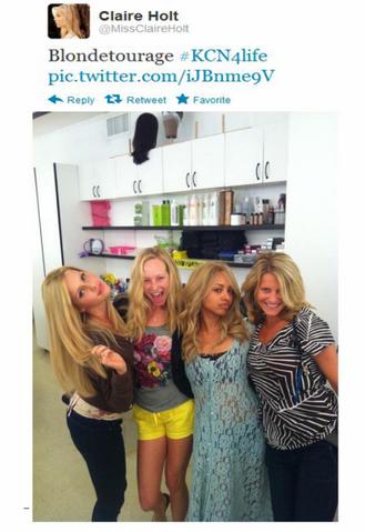 File:Blondie behind the scenes.png
