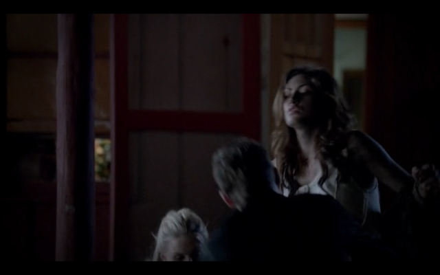 File:1x04-Klaus catching Hayley.png