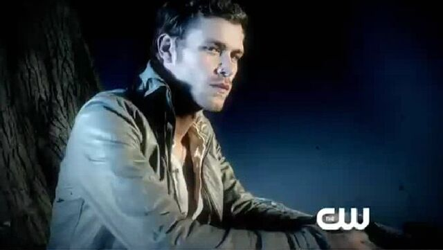 File:Joseph-in-The-Vampire-Diaries-Season-3-Promo-Appetites-joseph-morgan-25177939-716-404.jpg