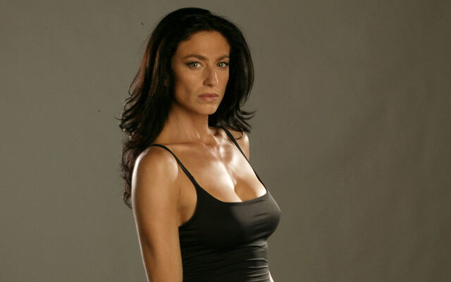 File:The Originals - Claudia Black.jpg