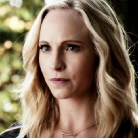 File:Caroline cute forbes 5x11.png