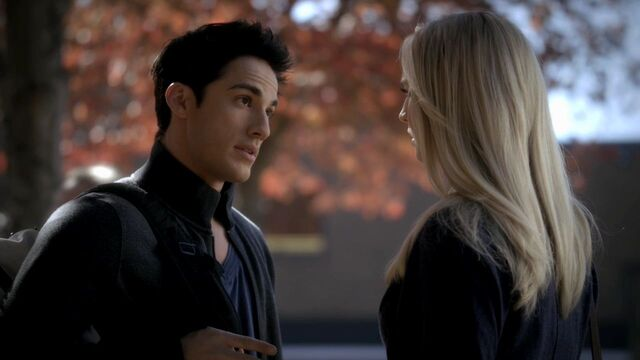 File:3x11-Our-Town-tyler-and-caroline-28324693-1280-720.jpg