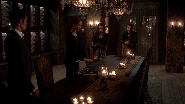 File:The Originals S01E21 mkv1397.jpg