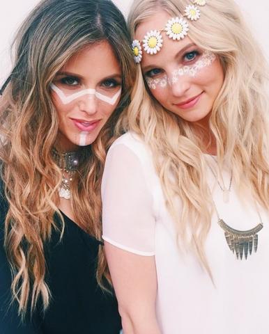 File:Kayla and Candice.png