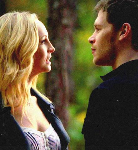 File:Caroline-Klaus episode 100.,..png
