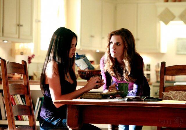 File:1x04-Family Ties (20).jpg