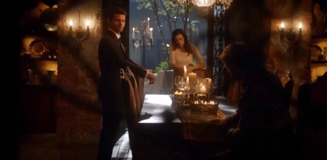 File:Elijah-Hayley and Klaus 2x01.png