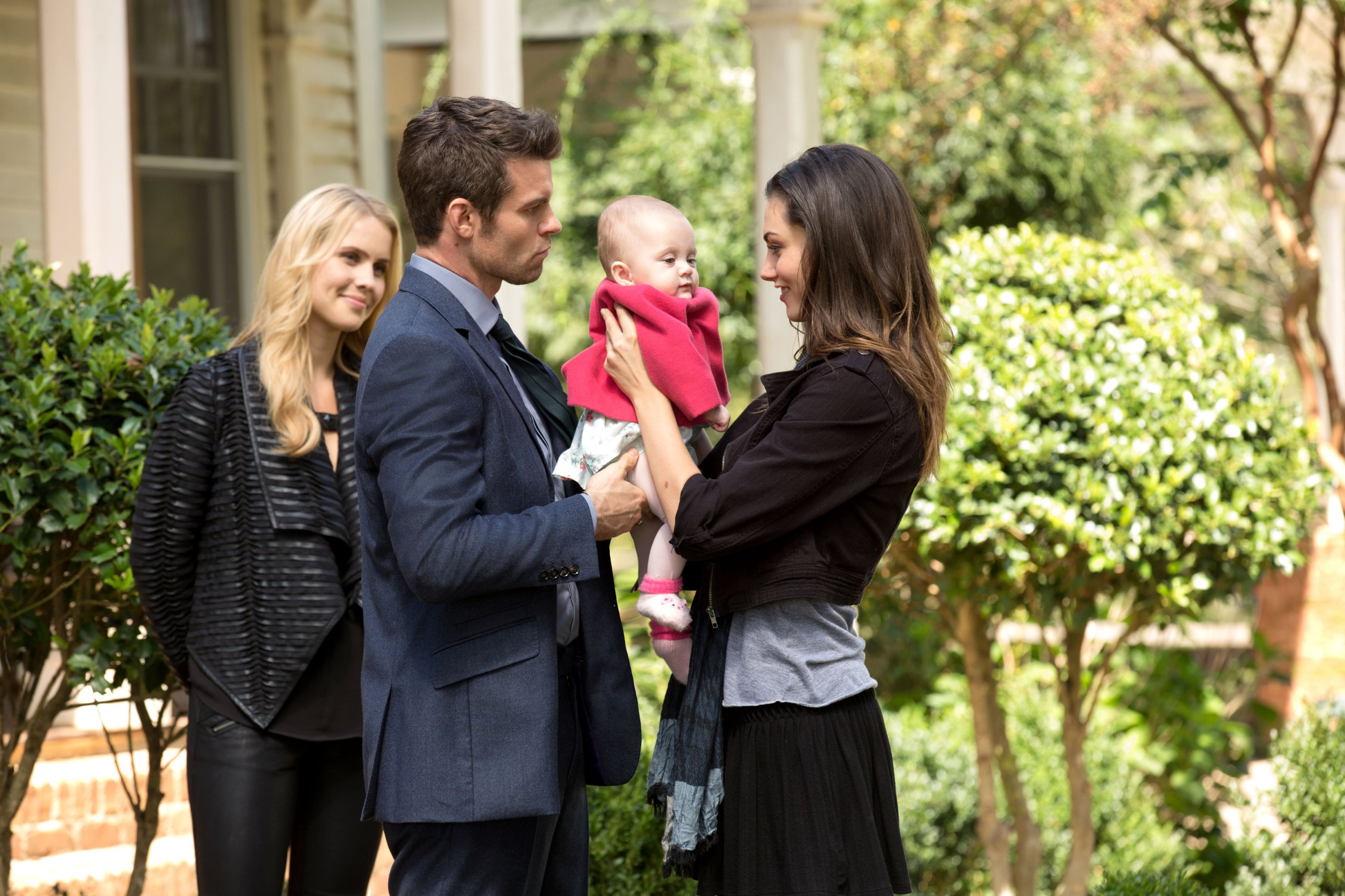 File:The-originals-the-map-of-moments-elijah-hayley-baby-hope.jpg