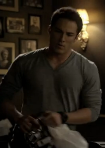File:2x11 Tyler Lockwood By the Light of the Moon.png
