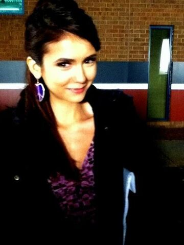 File:Nina-2x18-BTS-the-vampire-diaries-tv-show-19785861-480-640.jpg