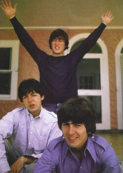 John-Paul-and-George-the-beatles-17019384-500-702