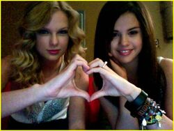 Taylor swift and selena gomez 2-1-