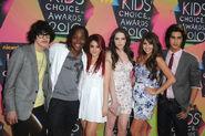 Daniella+Monet+Elizabeth+Gillies+Nickelodeon+OudvUODkuxBl