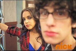 IParty-with-Victorious-Behind-The-Scenes-5