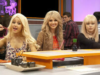 Victorious-blonde-14