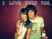 Avan-and-Victoria-beck-and-tori-17915997-483-357