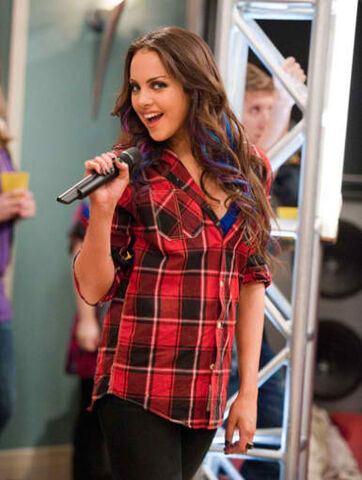 File:Pretty in PlaidElizabeth Gillies a.k.a.jpg