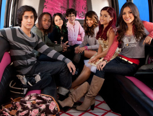 Archivo:Victorious-Driving-Tori-Crazy-victorious-30456675-500-377.jpg