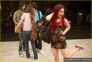 Elizabeth-gillies-victorious-backlot-10