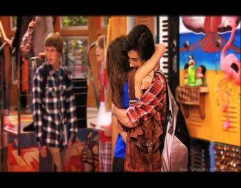Beck.and.tori.hugging