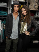 Burberry-brit-holiday-party-03-avan-jogia-victoria-justice