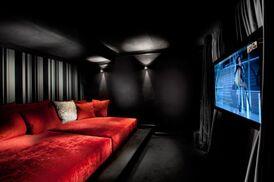 88192 0 8-4816-contemporary-media-room