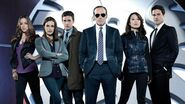 "Marvel's Agents of SHIELD - Season 2 Premiere Clip - ""Debrief"""